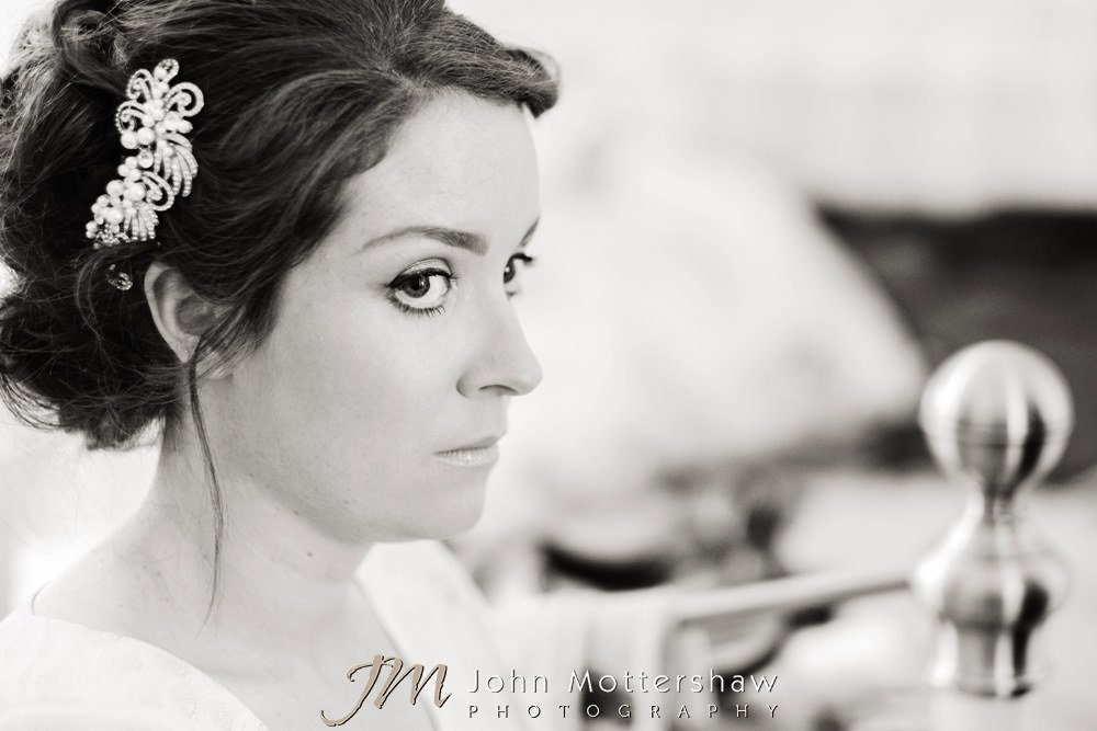 Relaxed bridal preparations before wedding