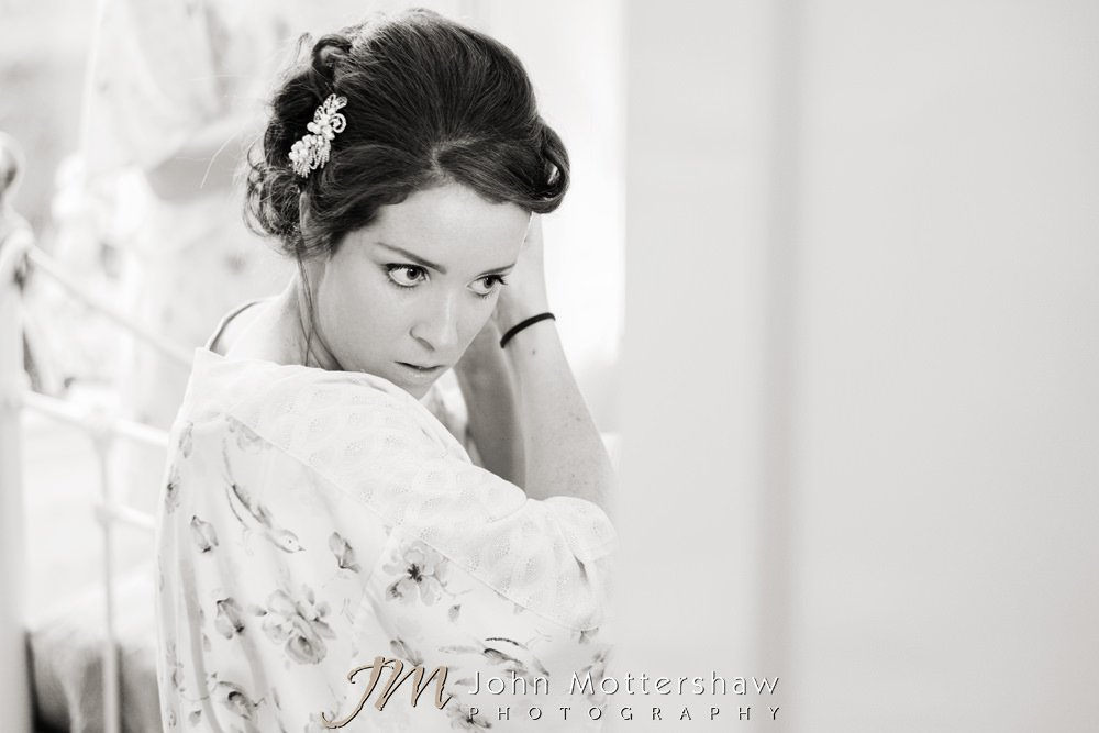 Natural and relaxed wedding photography in Sheffield and Chesterfield
